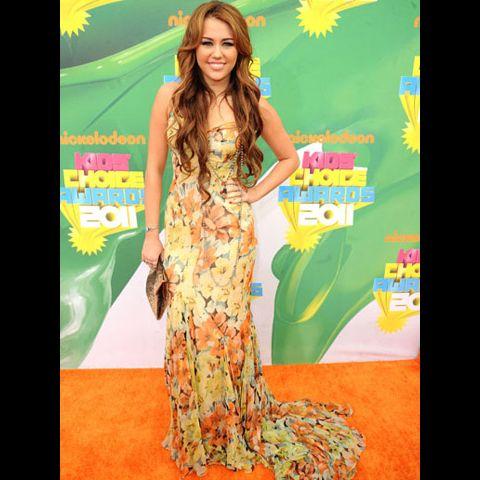 2011 KCA Mejor Vestidos